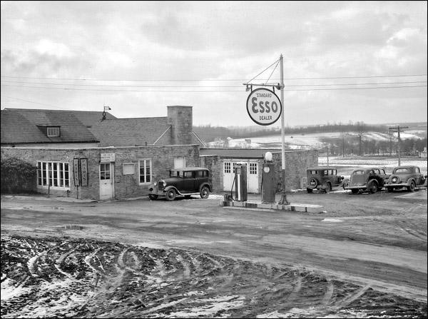1937-west-virginia-reedsville-gas-station.jpg