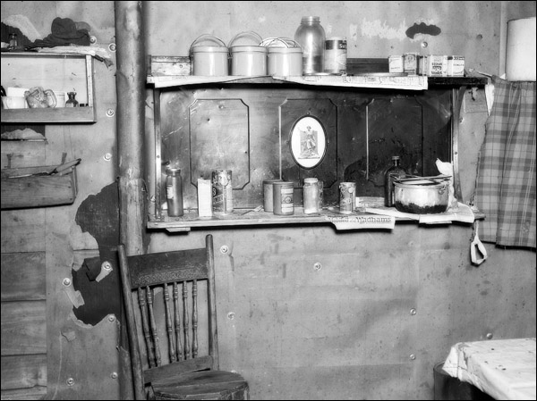 1937-wisconsin-long-lake-kitchen.jpg